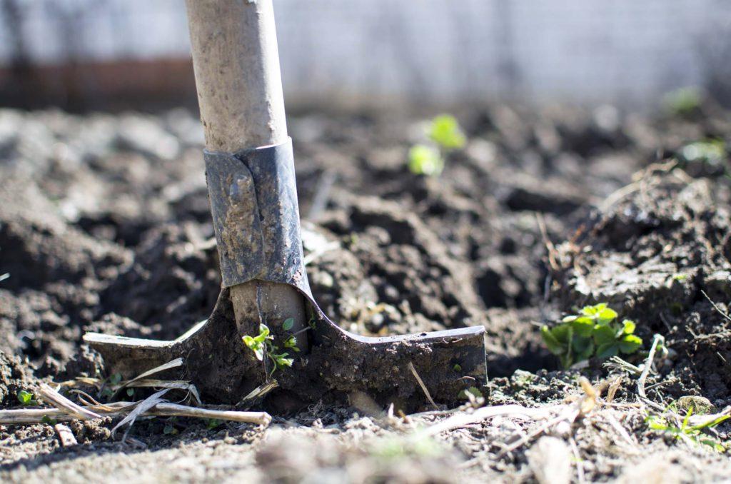 shovel land earth