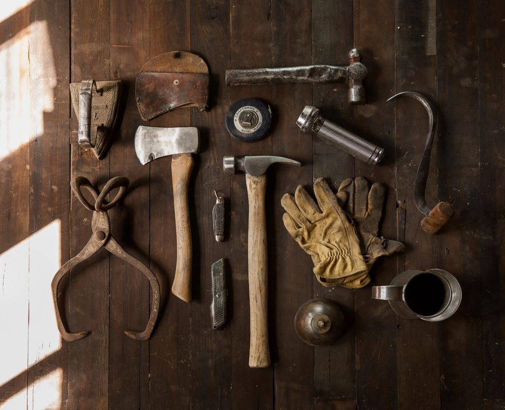 equipment building tools to do carpentry